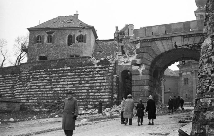 1956 revoltuion communism private tours buapest guided tour